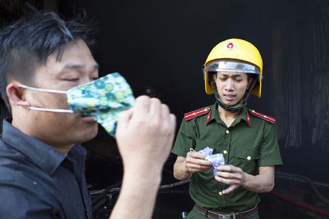Nhà máy ở Dung Quất phát hỏa ngày ông Táo về trời - Ảnh 2.