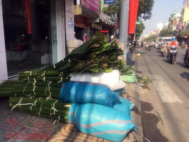 Chợ lá dong, lá chuối tồn tại nửa thế kỷ, chỉ nhóm họp mỗi năm một lần - Ảnh 3.