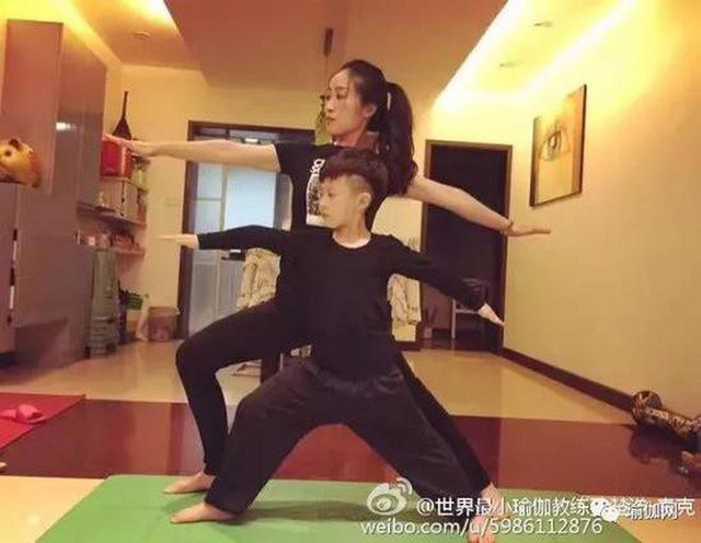 Mới 7 tuổi, cậu bé đáng yêu gây sốt khi trở thành chuyên gia Yoga với hơn 100 học sinh và kiếm được hơn 350 triệu đồng - Ảnh 5.