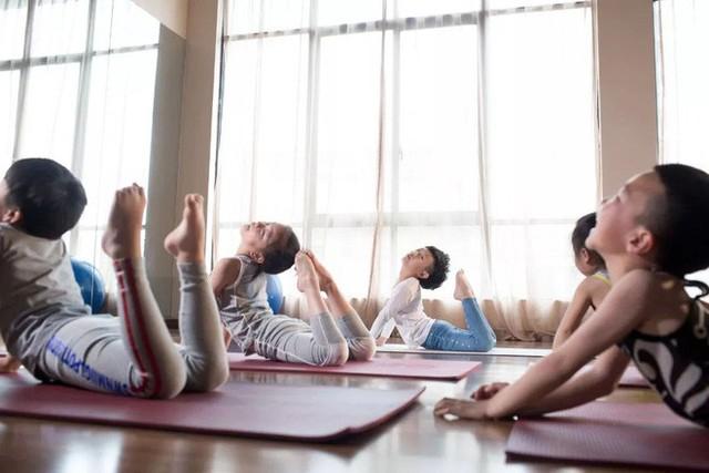 Mới 7 tuổi, cậu bé đáng yêu gây sốt khi trở thành chuyên gia Yoga với hơn 100 học sinh và kiếm được hơn 350 triệu đồng - Ảnh 9.