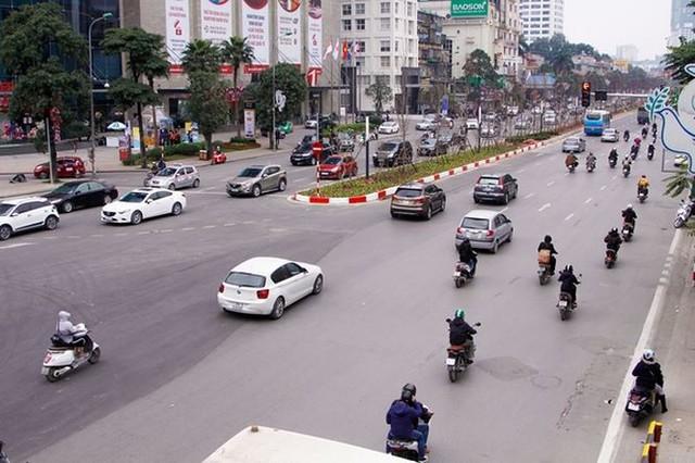 Ngắm đường 10 làn xe đẹp nhất Việt Nam tại Hà Nội - Ảnh 1.