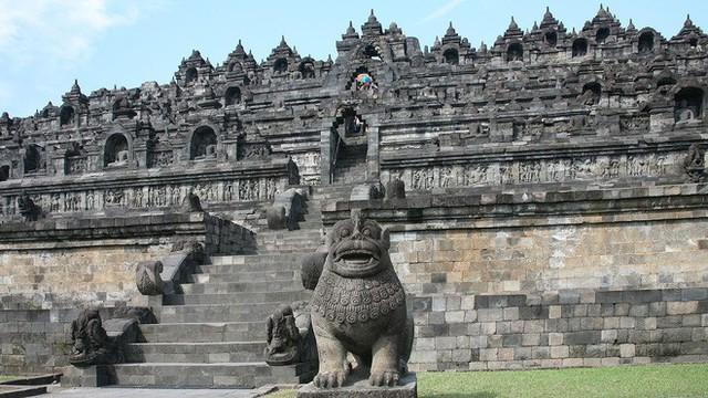 Ngôi đền Phật giáo lớn nhất thế giới: Nơi ngắm bình minh và hoàng hôn tuyệt đẹp! - Ảnh 3.