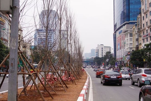 Ngắm đường 10 làn xe đẹp nhất Việt Nam tại Hà Nội - Ảnh 3.