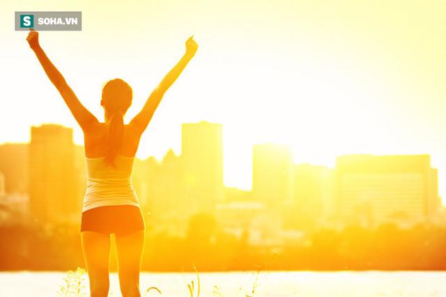 4 thói quen tai hại vào buổi sáng có thể khiến nhiều người mất đến 10 năm tuổi thọ - Ảnh 2.