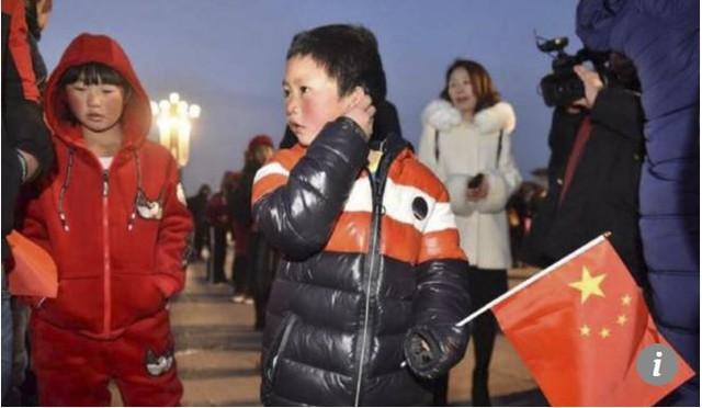 Cậu bé tóc đóng băng nổi tiếng Trung Quốc bị buộc thôi học chỉ sau một tuần đến trường mới - Ảnh 3.