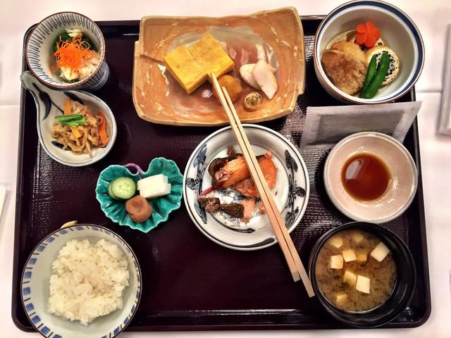 Trẻ ra vài tuổi so với tuổi thật nhờ học tập những thói quen ăn uống của phụ nữ Nhật - Ảnh 3.