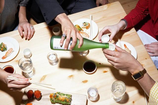 Điểm mặt 5 kiêng kỵ trong bữa tối: Điều số 3 trước nay vẫn nhiều người nhầm lẫn! - Ảnh 4.