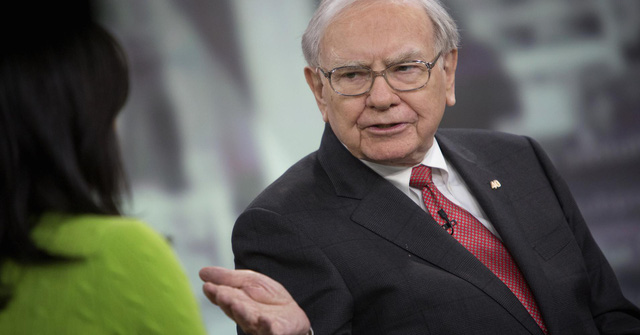 Thay vì suốt ngày nghĩ đến tiền và cách để nhanh chóng có được nhiều tiền, tỷ phú Warren Buffett khuyên bạn làm điều này - Ảnh 1.