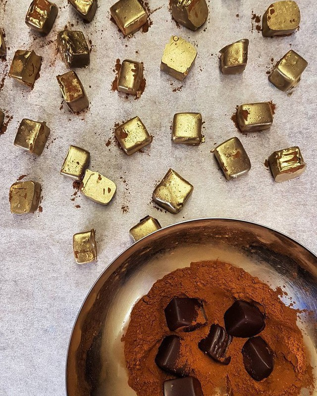 Muốn khám phá vị vàng thế nào, 7 món ăn dát vàng này chính là thứ nên thử, Việt Nam cũng có 1 món - Ảnh 15.