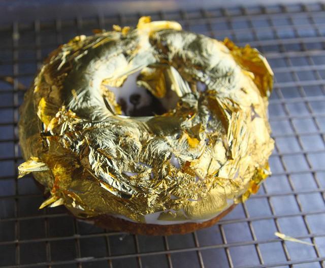 Muốn khám phá vị vàng thế nào, 7 món ăn dát vàng này chính là thứ nên thử, Việt Nam cũng có 1 món - Ảnh 9.
