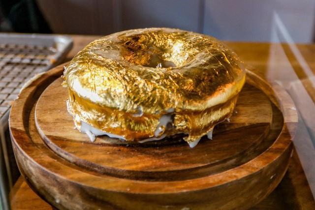 Muốn khám phá vị vàng thế nào, 7 món ăn dát vàng này chính là thứ nên thử, Việt Nam cũng có 1 món - Ảnh 10.