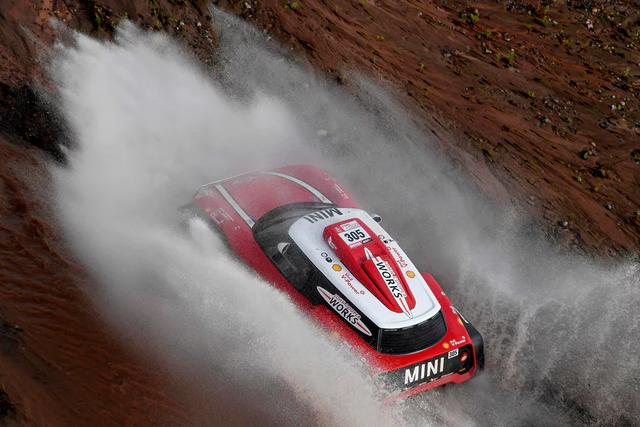 Khám phá giải đua xe địa hình xuyên sa mạc khốc liệt nhất hành tinh Dakar Rally - Ảnh 4.
