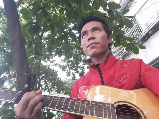 Chàng trai Phú Yên đi bộ xuyên Việt trong 113 ngày đêm chỉ với 100k và 1 cây đàn guitar - Ảnh 14.