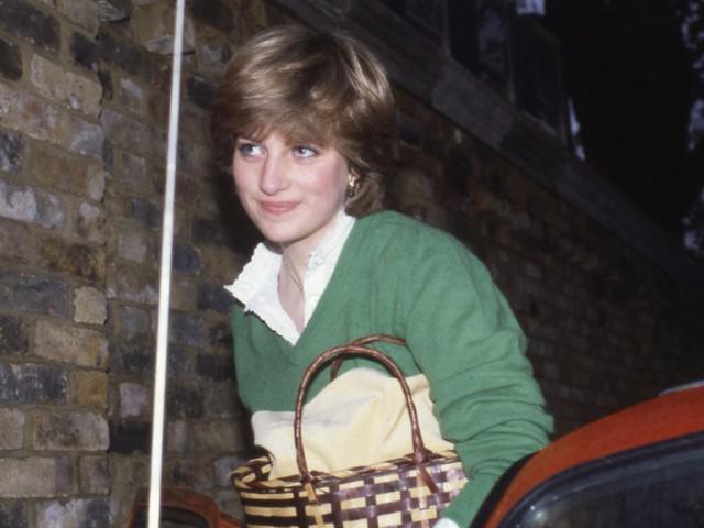 """Meghan Markle có nhiều điểm chung với Công nương Diana: Đây là cách bạn gái Hoàng tử Harry thể hiện lòng kính trọng đối với """"mẹ chồng"""" - Ảnh 5."""