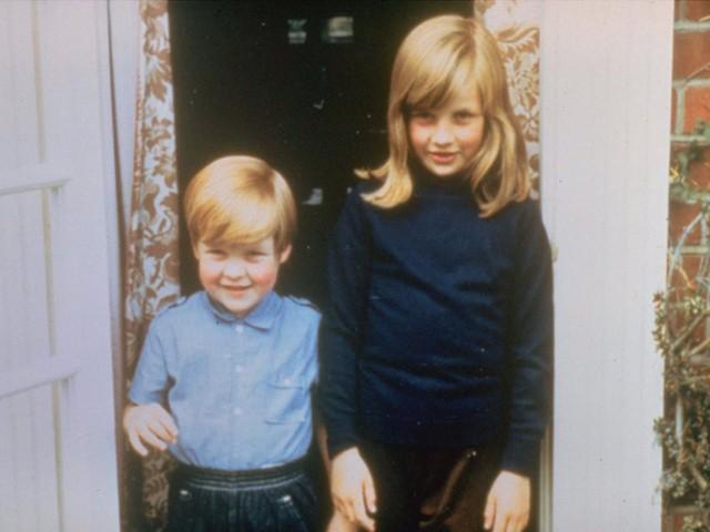 """Meghan Markle có nhiều điểm chung với Công nương Diana: Đây là cách bạn gái Hoàng tử Harry thể hiện lòng kính trọng đối với """"mẹ chồng"""" - Ảnh 1."""