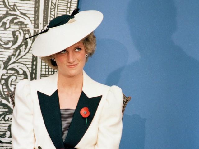 """Meghan Markle có nhiều điểm chung với Công nương Diana: Đây là cách bạn gái Hoàng tử Harry thể hiện lòng kính trọng đối với """"mẹ chồng"""" - Ảnh 20."""