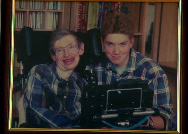 Thiên tài vật lý Stephen Hawking - người cha truyền cảm hứng và chưa bao giờ áp đặt con - Ảnh 4.