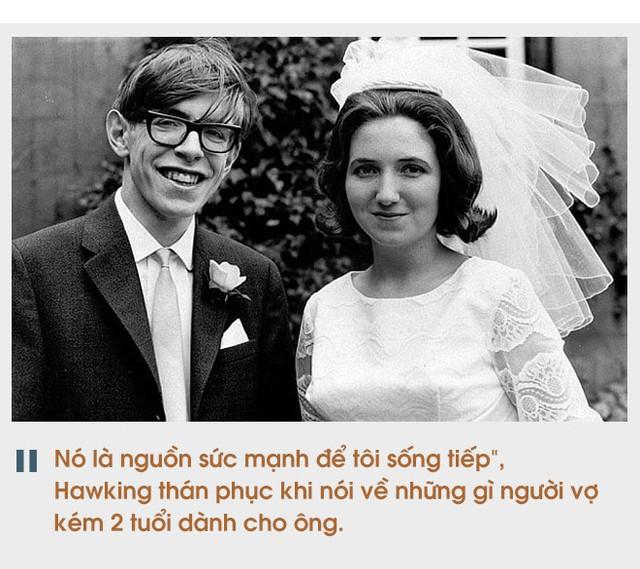 Cuộc đời sóng gió của Stephen Hawking: Bộ óc thiên tài trong thân hình teo tóp, hạnh phúc mỉm cười dưới vực thẳm bi quan - Ảnh 6.