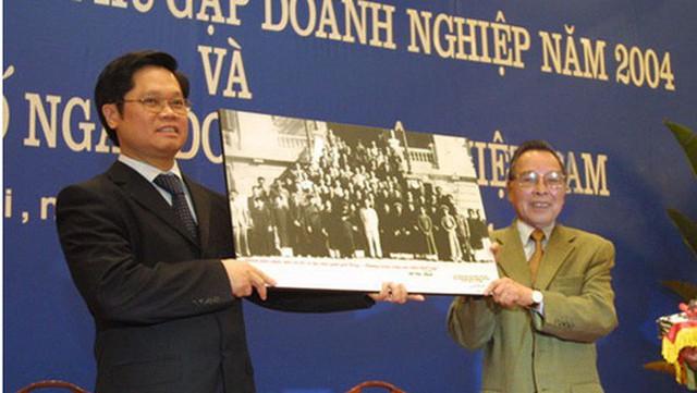 Chủ tịch VCCI Vũ Tiến Lộc: Cố Thủ tướng Phan Văn Khải - người trả lại tên cho cộng đồng doanh nhân Việt - Ảnh 2.