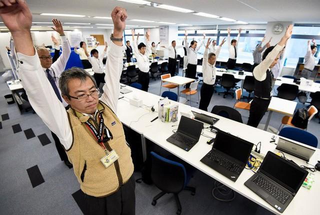Lý do người Nhật sống lâu nhất thế giới: Suốt 90 năm toàn dân thực hiện đúng 1 bài tập thể dục quốc dân vào mỗi sáng! - Ảnh 3.
