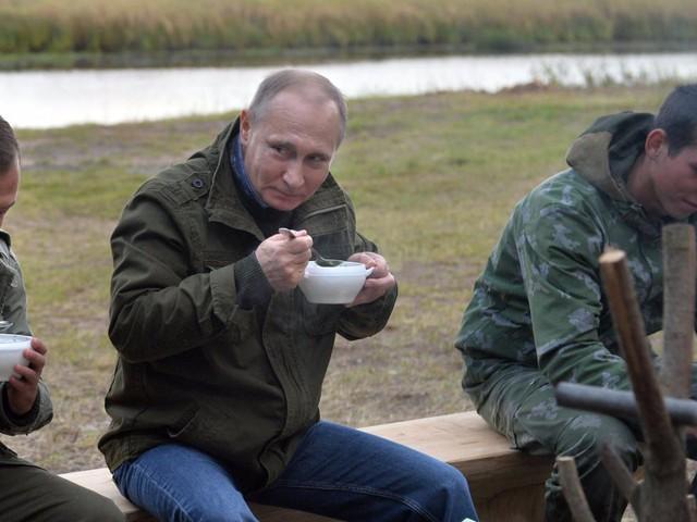 Bận rộn với công việc nhưng tổng thống Putin vẫn dành 2 giờ mỗi ngày cho hoạt động này để giữ sức khỏe và duy trì thể hình đáng ngưỡng mộ - Ảnh 2.