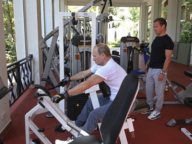 Bận rộn với công việc nhưng tổng thống Putin vẫn dành 2 giờ mỗi ngày cho hoạt động này để giữ sức khỏe và duy trì thể hình đáng ngưỡng mộ - Ảnh 5.