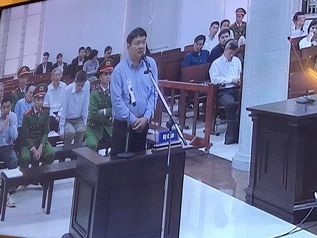 Phiên tòa chiều 20/3: Ông Hà Văn Thắm đề nghị xem xét kỹ lại việc mua OceanBank giá 0 đồng - Ảnh 2.