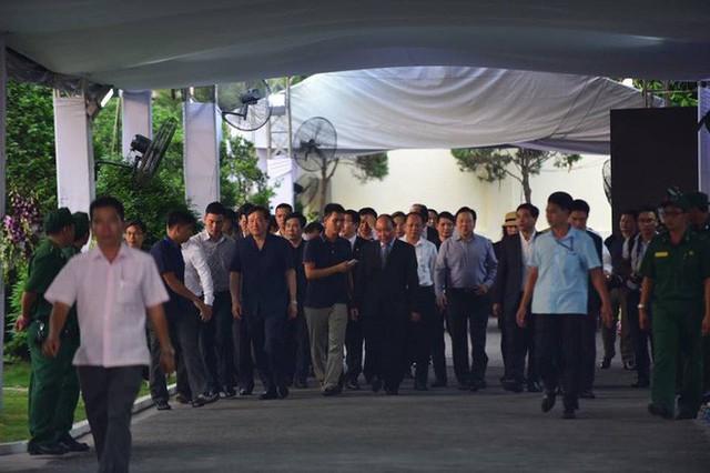 Thủ tướng Nguyễn Xuân Phúc đến nhà riêng nguyên Thủ tướng Phan Văn Khải - Ảnh 2.