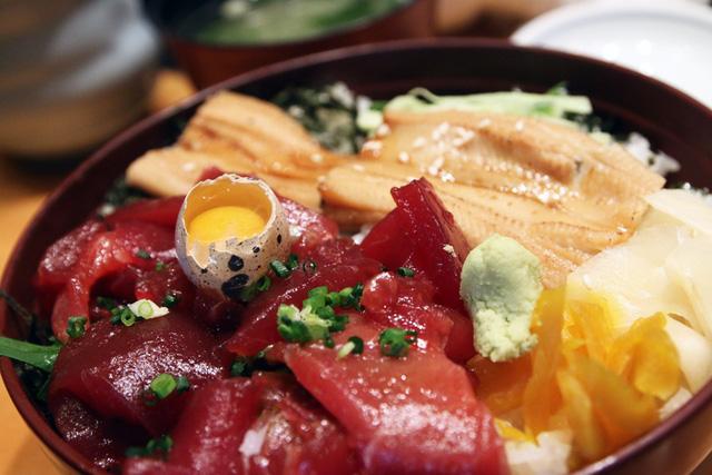 Blogger nổi tiếng Mark Wiens chia sẻ hành trình khám phá quán sushi cực ngon ở Tokyo - Ảnh 5.