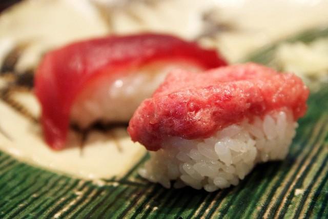 Blogger nổi tiếng Mark Wiens chia sẻ hành trình khám phá quán sushi cực ngon ở Tokyo - Ảnh 6.