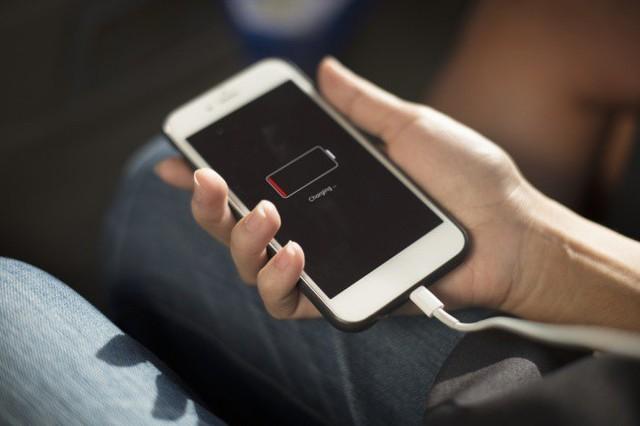 Khoa học khuyến cáo 10 vị trí không để điện thoại di động - Ảnh 6.