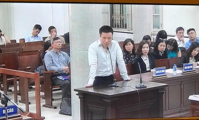 Phiên tòa chiều 20/3: Ông Hà Văn Thắm đề nghị xem xét kỹ lại việc mua OceanBank giá 0 đồng - Ảnh 1.