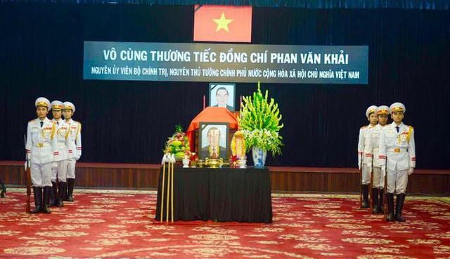 Nhiều đoàn lãnh đạo đến viếng cố Thủ tướng Phan Văn Khải tại Hội trường Thống Nhất - Ảnh 21.