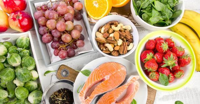 Chế độ ăn giúp cải thiện sức khỏe não bộ, ngăn chặn sự thoái hóa và sa sút trí tuệ: Ai cũng cần bổ sung ngay!  - Ảnh 1.