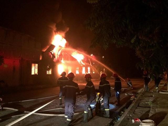 Chàng lính trẻ từ bỏ giấc mơ làm chiến sĩ PCCC vì gặp nạn trong lúc cứu hỏa: Mỗi lần nghe báo cháy, lại thấy nhớ nghề và đồng đội... - Ảnh 2.