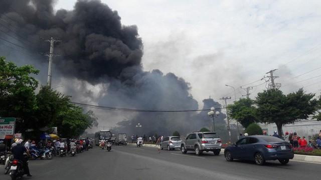 Vũng Tàu: Đang cháy ở khu vực đường Võ Nguyên Giáp - Ảnh 1.