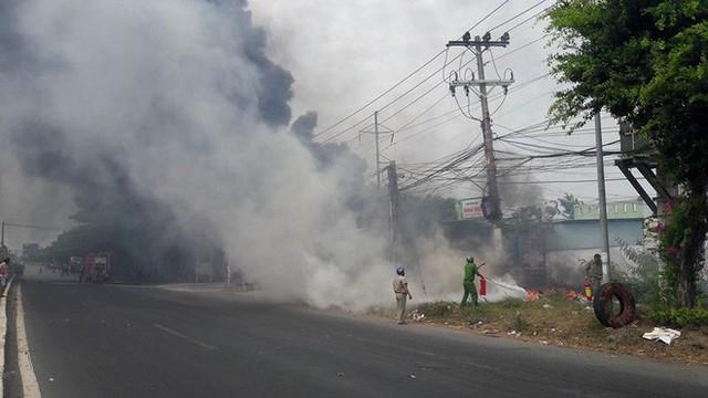 Vũng Tàu: Đang cháy ở khu vực đường Võ Nguyên Giáp - Ảnh 2.