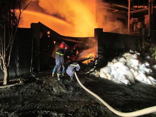 Chàng lính trẻ từ bỏ giấc mơ làm chiến sĩ PCCC vì gặp nạn trong lúc cứu hỏa: Mỗi lần nghe báo cháy, lại thấy nhớ nghề và đồng đội... - Ảnh 4.