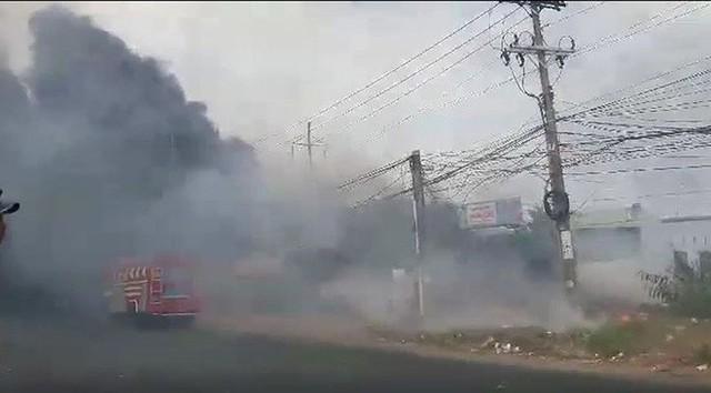 Vũng Tàu: Đang cháy ở khu vực đường Võ Nguyên Giáp - Ảnh 4.