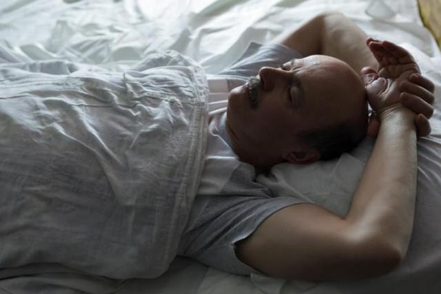Tác hại không thể ngờ của những tư thế ngủ quen thuộc: Đọc và thay đổi ngay để cơ thể không còn nhức mỏi - Ảnh 1.