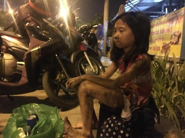 Cháy chung cư cao cấp ở Sài Gòn giữa đêm, ít nhất 13 người thiệt mạng - Ảnh 3.