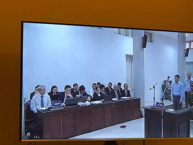 Những hình ảnh trong các phiên xét xử vụ án xảy ra tại PVN đầu tư vào OceanBank - Ảnh 19.
