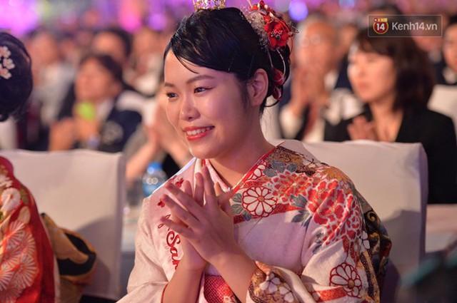 Nữ hoàng và công chúa hoa anh đào trao hoa khai mạc lễ hội giao lưu văn hoá Việt Nam - Nhật Bản - Ảnh 3.