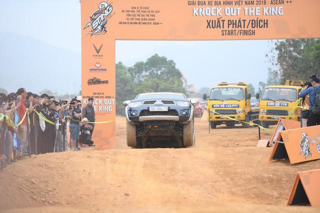 Chùm ảnh ấn tượng về những chiếc xe tham gia giải đua xe ô tô đối kháng KOK 2018 - Ảnh 1.