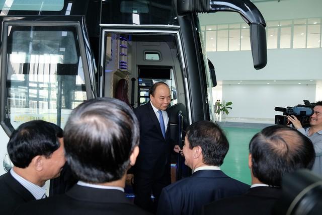Thủ tướng: Chính phủ đối xử bình đẳng với các nhà sản xuất, lắp ráp ô tô - Ảnh 3.