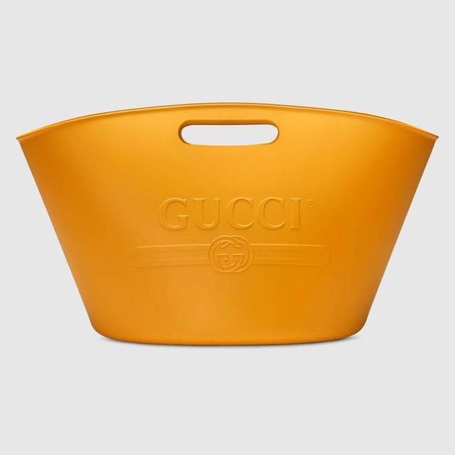 Gucci mới cho ra mắt thiết kế túi xách có giá 22 triệu, nhưng sao nhìn giống xô cao su đựng vữa thế này! - Ảnh 4.