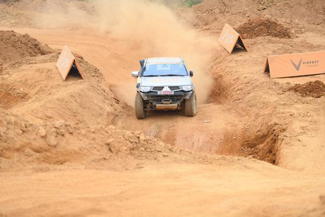 Chùm ảnh ấn tượng về những chiếc xe tham gia giải đua xe ô tô đối kháng KOK 2018 - Ảnh 8.