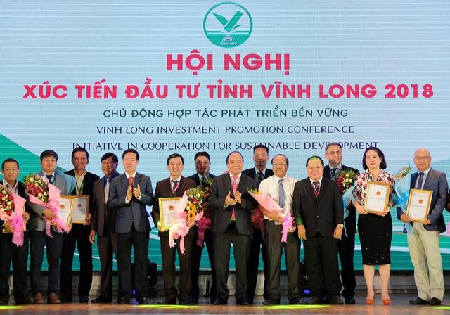 Thủ tướng: Vĩnh Long cần phấn đấu phát triển năng động hàng đầu cả nước - Ảnh 2.