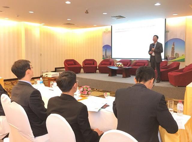 TS Huỳnh Thế Du: Việt Nam đang đối mặt với 3 thách thức lớn nhất cho nền kinh tế - Ảnh 2.