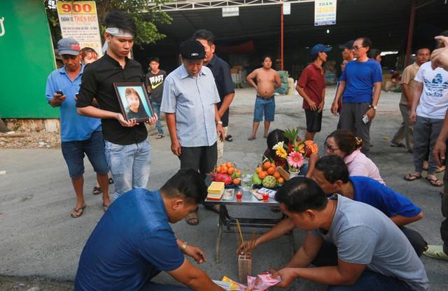Cư dân Carina làm lễ cầu siêu cho 13 nạn nhân tử vong trong vụ cháy - Ảnh 8.